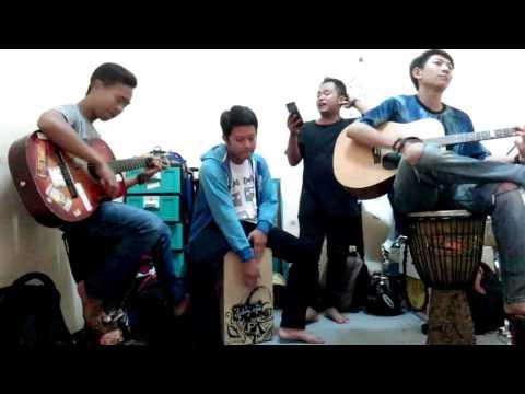 Musik 2016 Teater Adab Acoustic cover song Peterpan - Mimpi yang sempurna