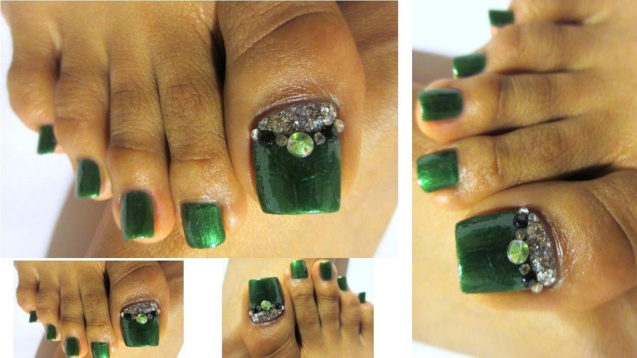 Verde esmeralda uñas decoradas de los pies/Green color Pedicure ...
