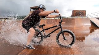BMX DRIFTING IN THE RAIN!!