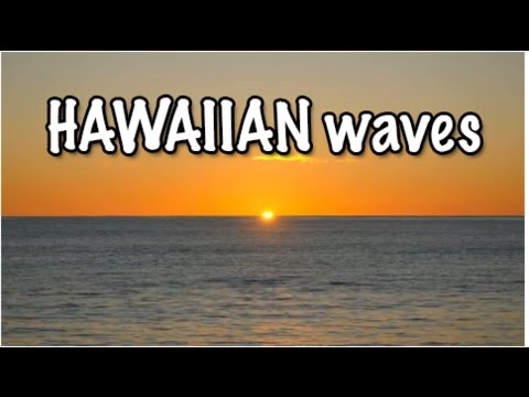 hawaiian-waves:-oceans-waves-rushing-up-the-shores-and-beaches-of-hawaii---a-visual-documentary