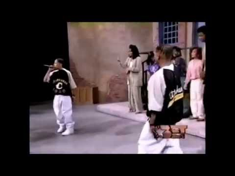 Kriss Kross - Jump and Warm it Up (Teen Summit 1992) Live .mp4