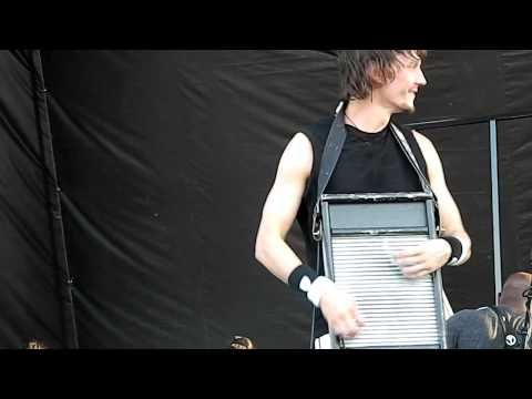 Cody Dickinson Electric Washboard Solo 2012-05-04 Beale St. Music Festival