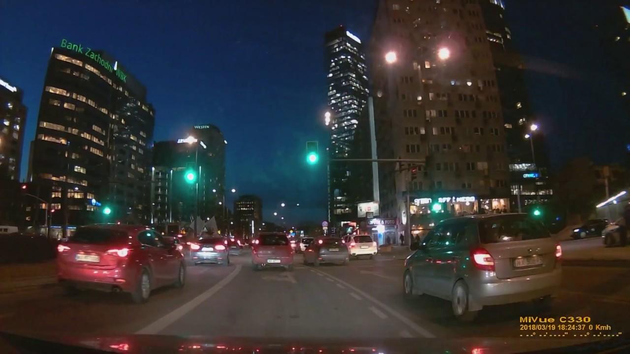 Driving in Warsaw City at night / Ciudad de Varsovia en la noche / 华沙市在晚上