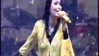 Nightwish - Dark Chest Of Wonders (Lowlands 2005)
