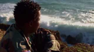 UNDER DEN SAMME HIMMEL, premiere d. 17. oktober 2013