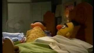Sesame Street - Ernie Plans For Bed