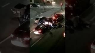 Polizei mit Blaulicht - VERHAFTUNG ! Polizeieinsatz - Die Arbeit der Polizei