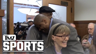Patrick Ewing Hugs It Out With John Thompson ... After Replacing His Son | TMZ Sports