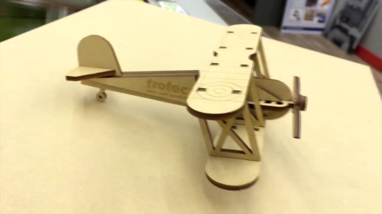 Khắc cắt laser trên gỗ / Làm đồ chơi mô hình – LASERTECH Co.,Ltd