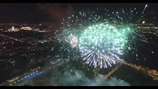 Салют 9 мая 2016 в Москве с высоты 350 метров