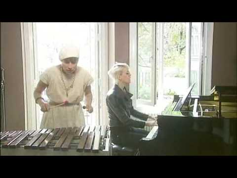 Frida Hyvönen & Jenny Wilson - Shadow Of A Doubt (Live Kobra 2009)