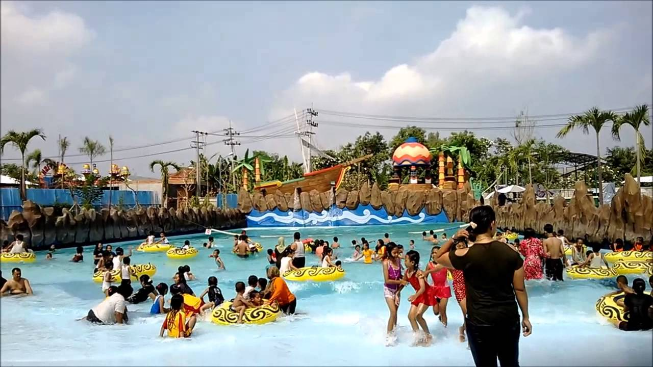 Madiun Indonesia  city images : Games at Sun City Water and Theme Park Madiun, Indonesia YouTube
