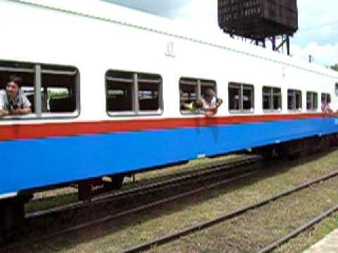 Tren de Uruguay a Parana saliendo de Basavilbaso.