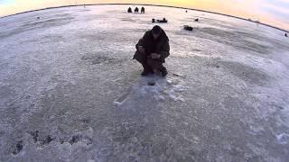 отличный клев плотвы и окуня на втором озере, часть 1.