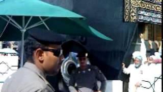 jahanzab infront of hajra aswad 2