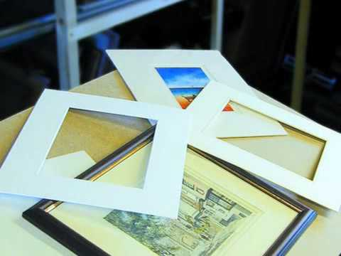 Picture Framers & Frame Makers - Holly Frames