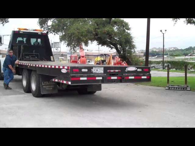 Ledwell HydraTail Truck 1