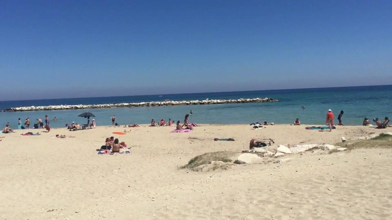 Bari Puglia Beach Pane E Pomodoro