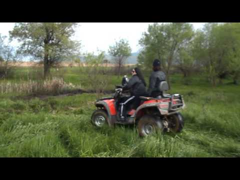 atv suzuki 500 drift in mud