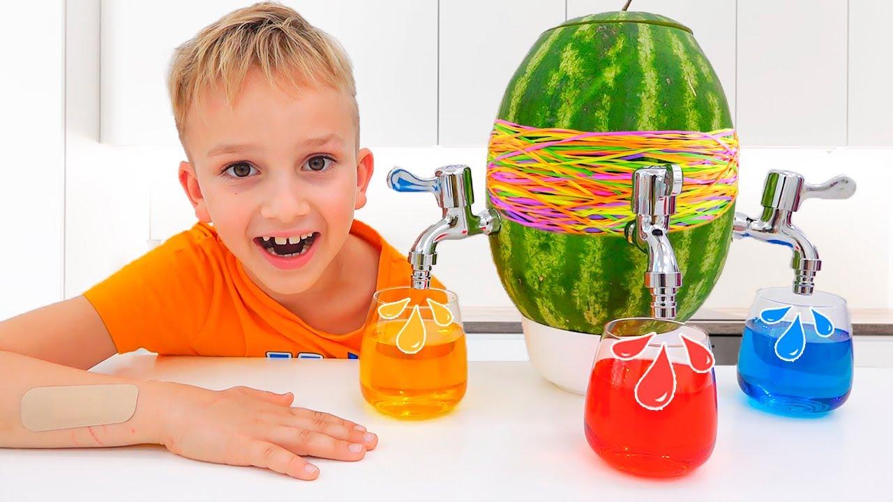 วลาดและนิกิสนุกกับแม่ - รวบรวมวิดีโอสำหรับเด็กพร้อมของเล่น