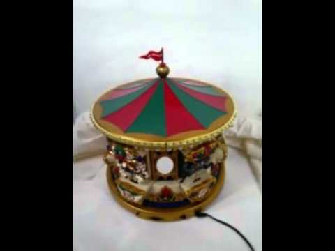Mr. Christmas Musical Merry Go Round Carousel 6 Horses 21 Carols