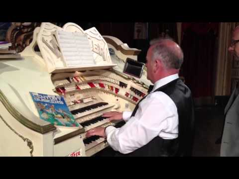 Begin the Beguine on the Wurlitzer with Barry John - tabs by John Bowdler