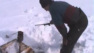 Апрельская рыбалка в районе Буркандьи - Колыма(Апрельская рыбалка в районе Буркандьи - Колыма, Паша и Леха, ацкой тольщины лёд - многие просто уезжали,..., 2015-02-21T05:37:24.000Z)