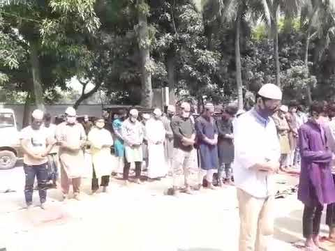 জুমাতুল বিদায় মসজিদে গাউসুল আজমে নামাজ আদায়ে মুসল্লিরা