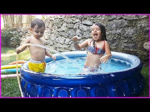 Prenses ve Prens Bahçede Şişme Havuz Keyfi, Rüya'dan Çılgın Atlayışlar l Eğlence