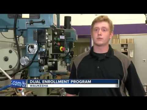 25748 economics Beruf 002 002 WTMJ Waukesha program gets students interested in technical careers