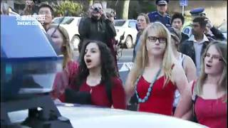 Police use force to break up NON violent Auckland Uni Student protest