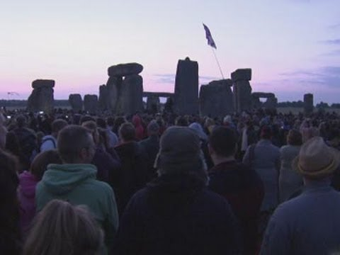 Raw: Revellers See Summer Solstice at Stonehenge Mp3