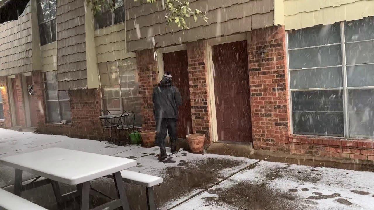 Snow in Denton Texas 1-11-2020 - YouTube
