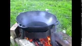 Картошка фри и рыба в кляре в казане