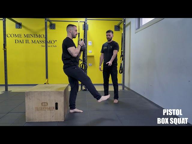 Pistol box squat. Esecuzione e tecnica