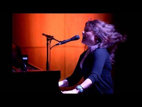 Paula Cole  -  'I Don't Want to Wait' Live with Lyrics Denver Colorado 16 April 2016