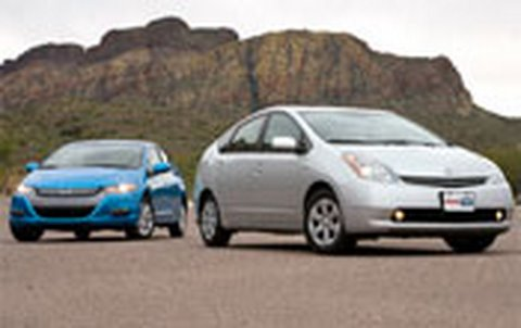 Honda Insight Vs Toyota Prius Comparison Test Edmunds Com Youtube