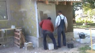 Система утепления фасадов: минвата, клей, штукатурка, покраска(В ролике показано утепление фасада здания с использованием минеральной ваты Paroc, универсального клея