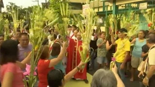 Filipinos celebrate traditional Palm Sunday procession