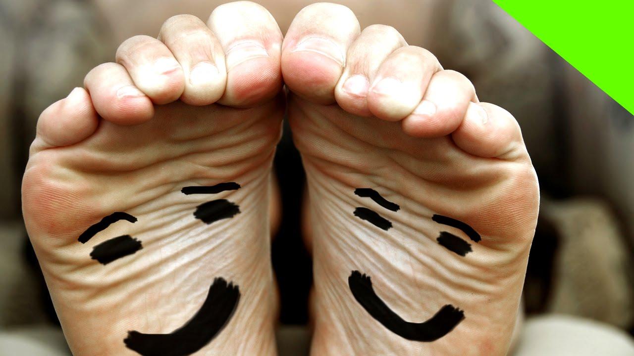 Como quitar el mal olor delos pies y zapatos youtube - Como quitar el olor a cuero ...