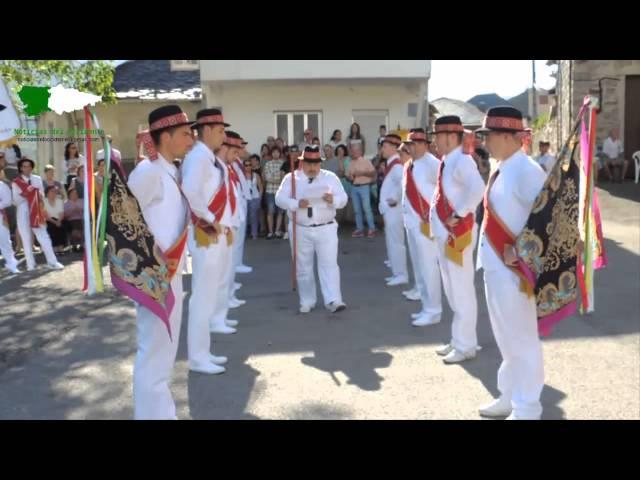 'Loyas' al comienzo de la Danza de Degaña 25/07/2015