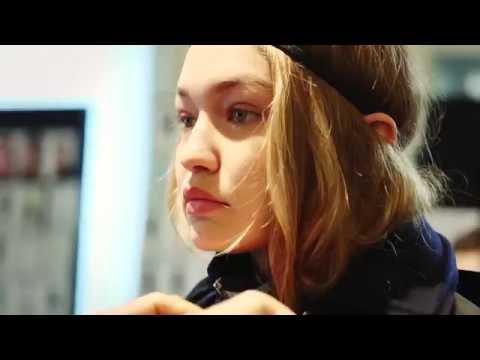 Versace Women's Fall Winter 16 Show | Behind the scenes