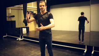 Уроки танца: как научиться танцевать робота. Школа танца для начинающих(, 2014-08-27T19:01:10.000Z)