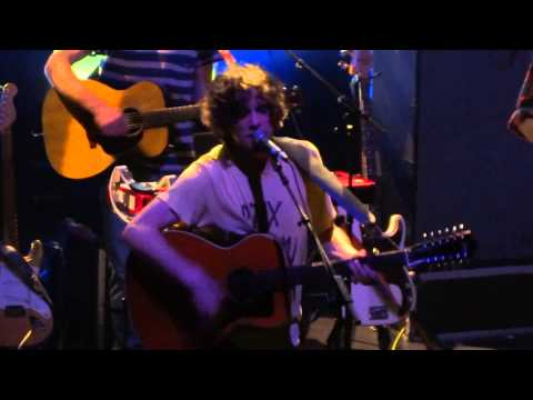 MGMT - PLENTY OF GIRLS IN THE SEA - LIVE PARIS @ L'OLYMPIA 08/10/2013
