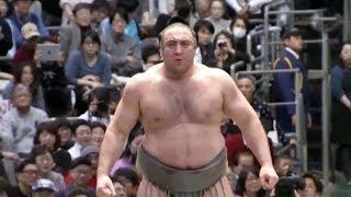 Tochinoshin vs Mitakeumi - Osaka 2018, Day 8