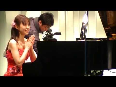 Lisa Nakazono/中園理沙 ディスクラビア収録中の光景(2010)