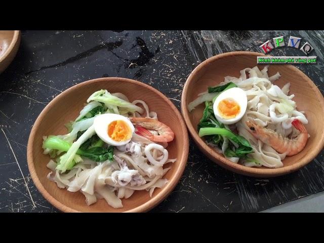 Mì gọt lần đầu xuất hiện ở Sài Gòn, tô mì bằng gỗ lạ mắt - Khám phá vùng quê