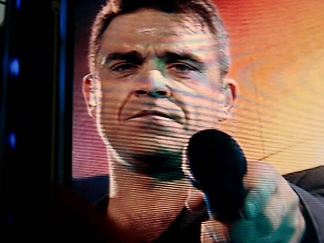 Robbie Williams / Take That - Angels - Manchester 07/06/2011