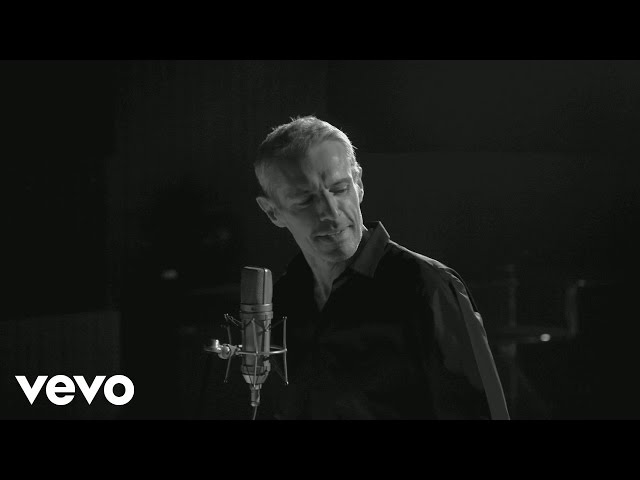 Lambert Wilson - La bicyclette (Clip officiel)