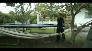 Как сделать бетонную скамейку для сада своими руками(http://www.portalznaniy.ru Обучающее видео о том как сделать садовую скамейку из бетона своими руками., 2011-06-06T22:14:42.000Z)